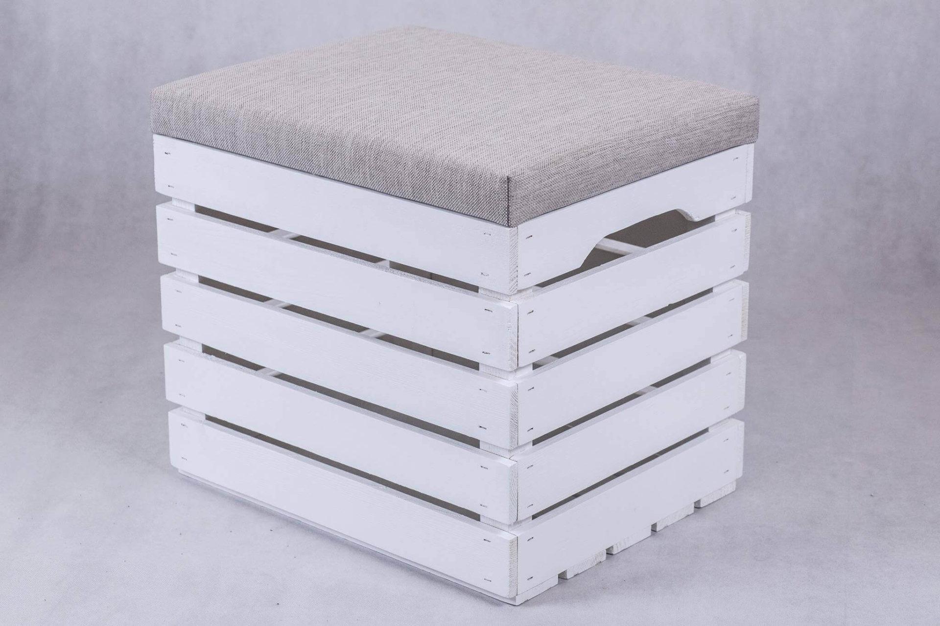 Skrzynia biała tapicerowana