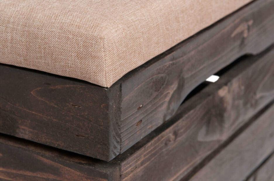 drewniana skrzynka tapicerowana z polski