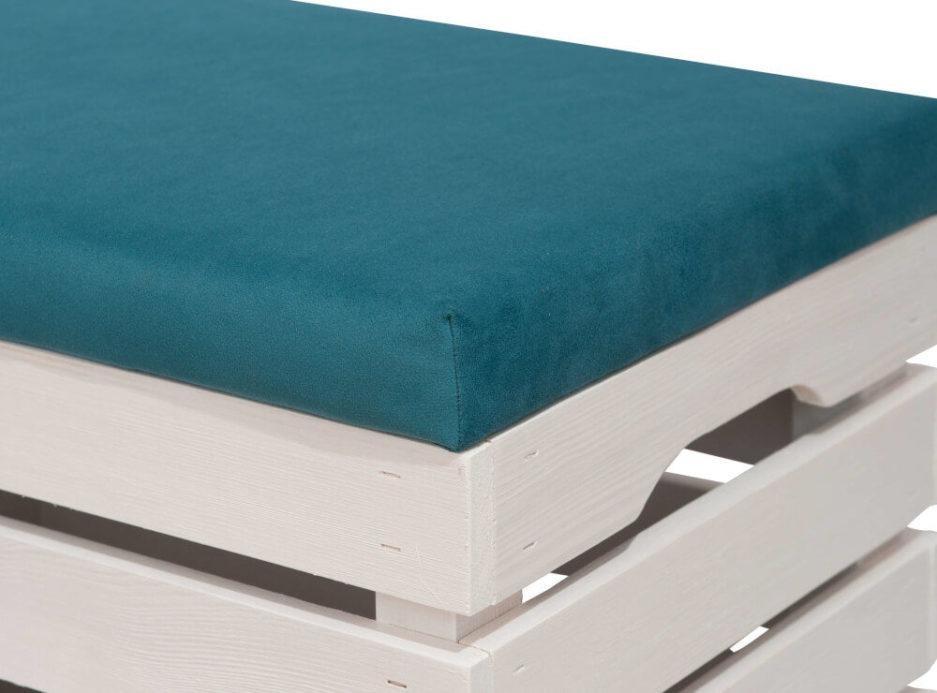 biała skrzynka drewniana - tapicerowana